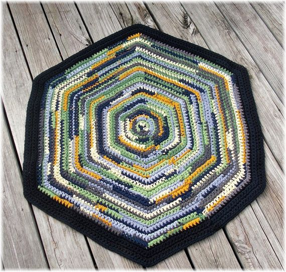 RESERVED Hexagon Rag Rug Made With T Yarn 50 Inches