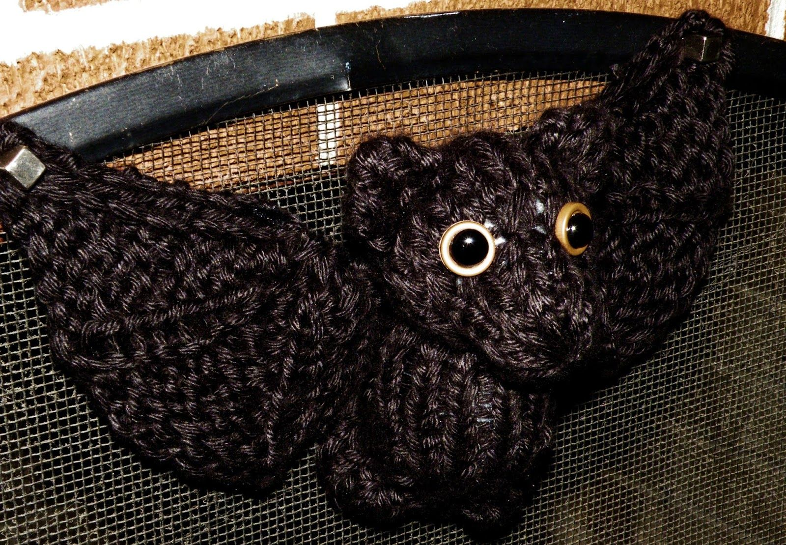 Hook Knitting Patterns : The loom muse creations and ideas: how to knit a bat