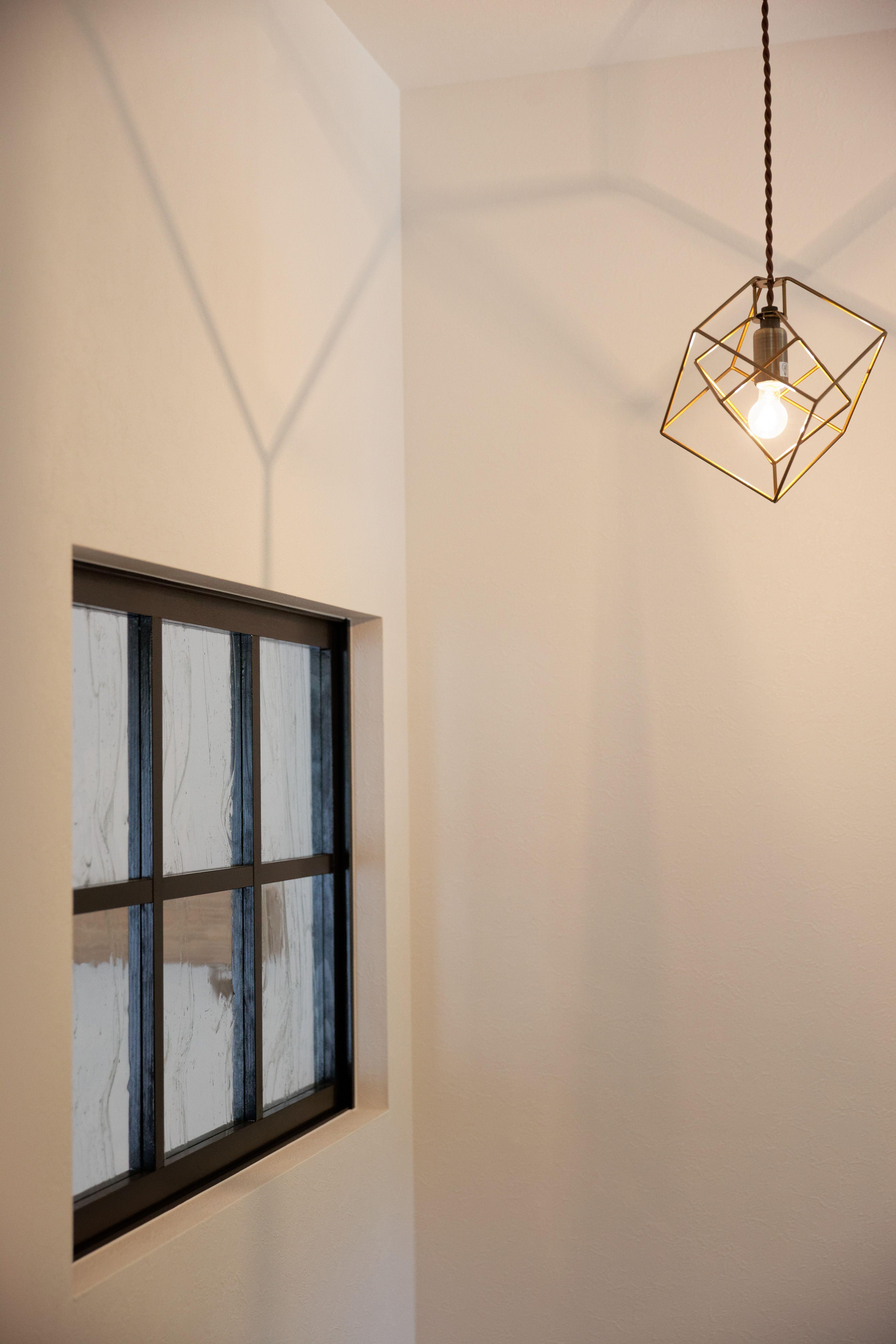 光差し込むクールでかわいいグレイッシュブルーの家 ゼストの写真集