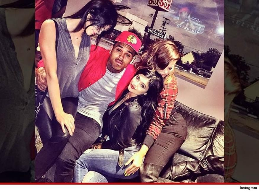"""Chris Brown has never been good at breaking up with women ... something he proved again Friday night in L.A. during a concert -- when he formally announced he\'s single by putting Karrueche on blast.  It all went down at Power 106\'s annual Cali Christmas ... when halfway through Brown\'s set the singer asked the crowd if there were any single women in the house.  After a brief pause, you hear Chris say, \""""I\'m single too!\"""" ... he then throws a heaping pile of shade at his now ..."""
