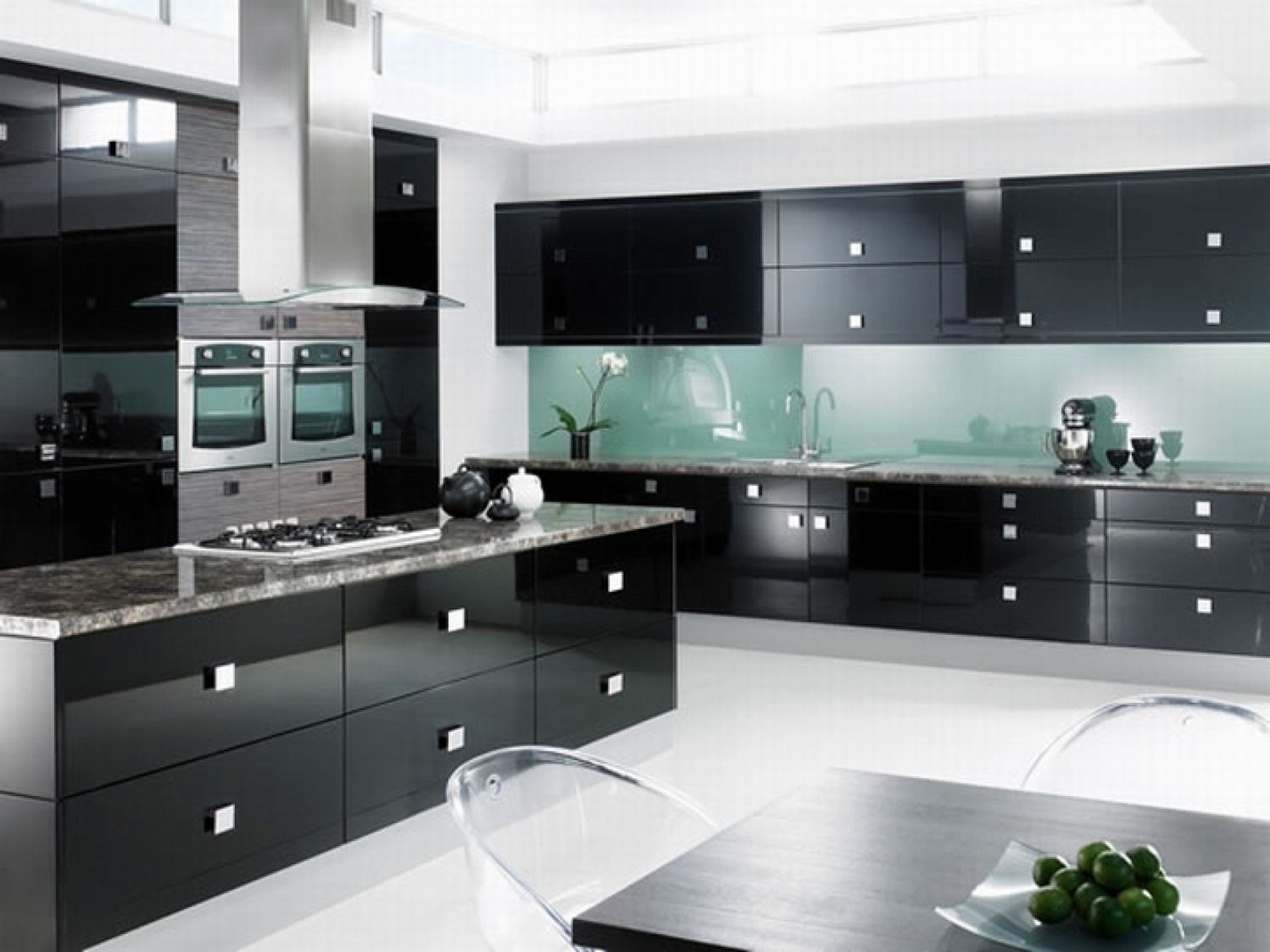 Fall In Love With Black And White Glossy Kitchen Designs Modern