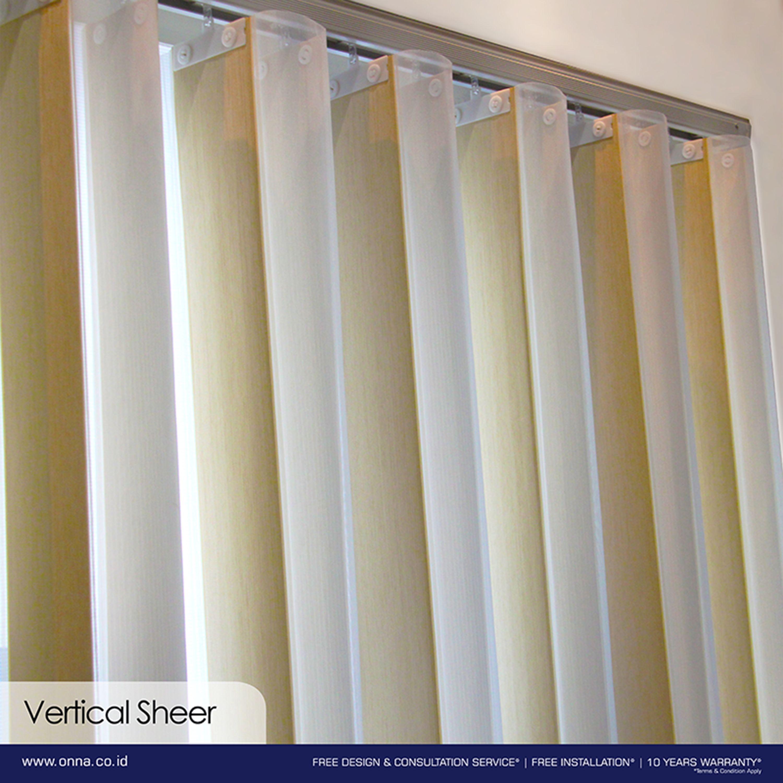 Perpaduan Tirai Dalam Bentuk Sheer Dan Vertical Adalah Inovasi Terkini Untuk Anda Penggemar Minimalis Dan Modern Blinds Sheer Blinds Interior