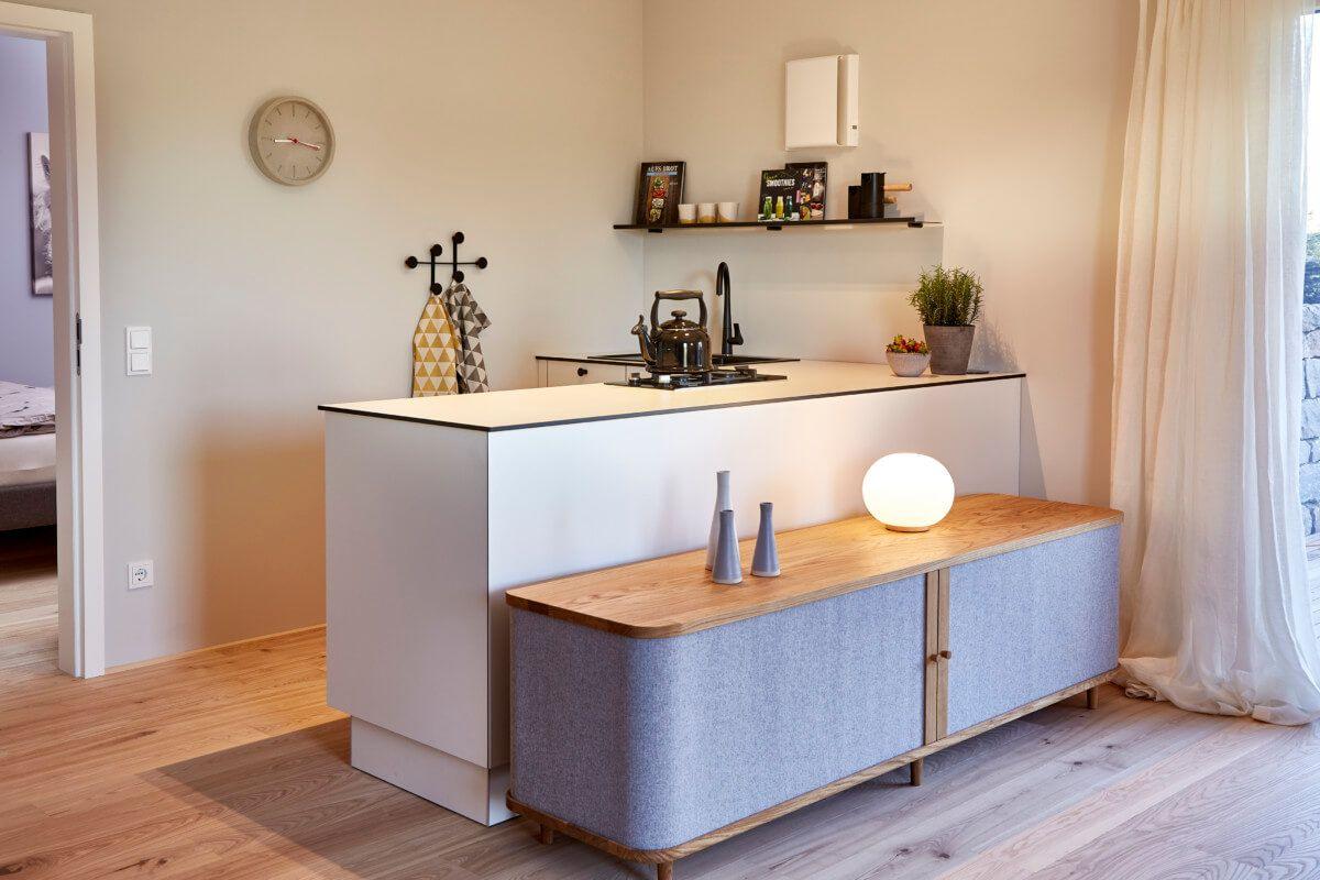 Moderne Küche klein offen - Küchen Einrichtung Ideen Einfamilienhaus ...
