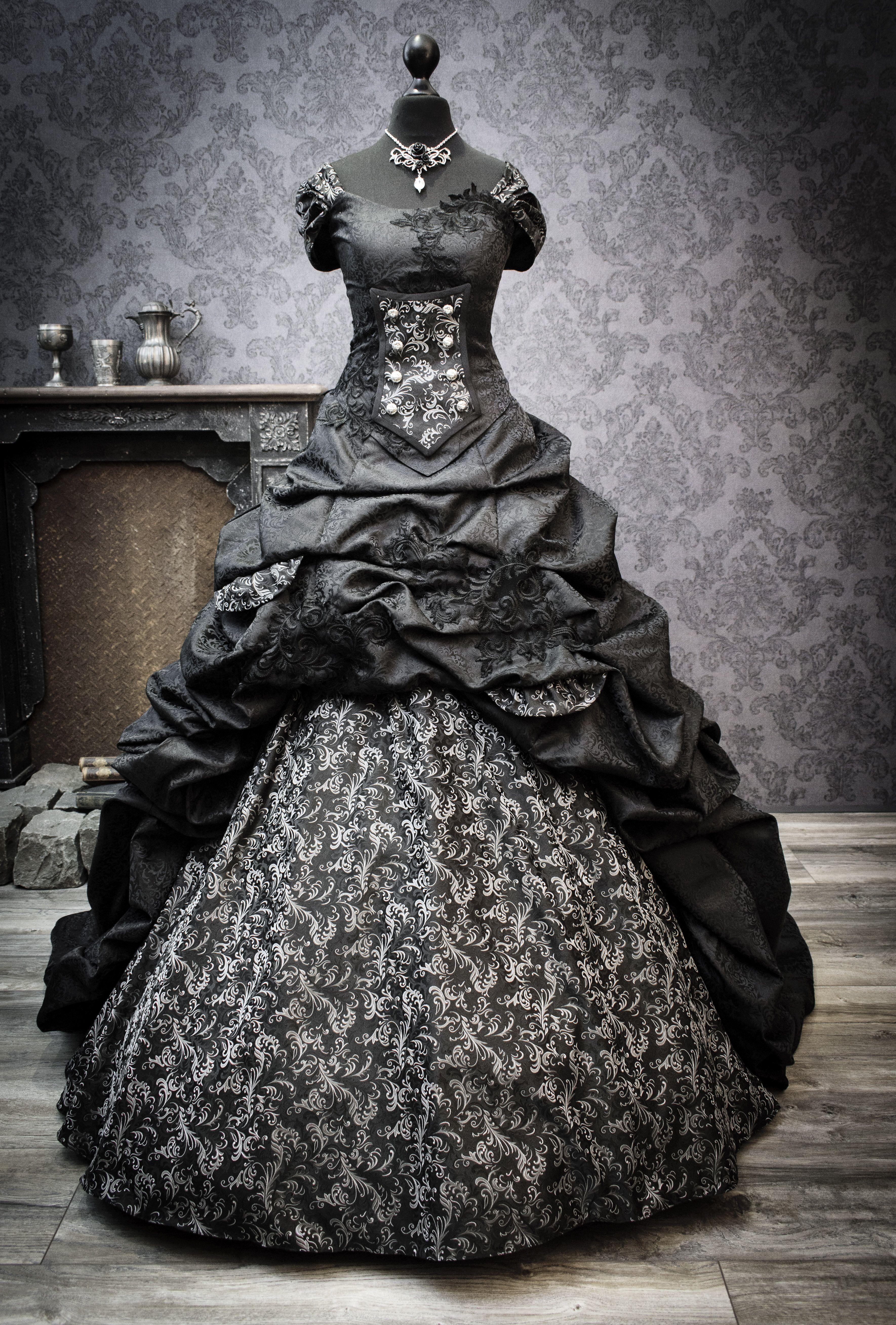 Most Famous Black Wedding Dresses  Schwarzes brautkleid
