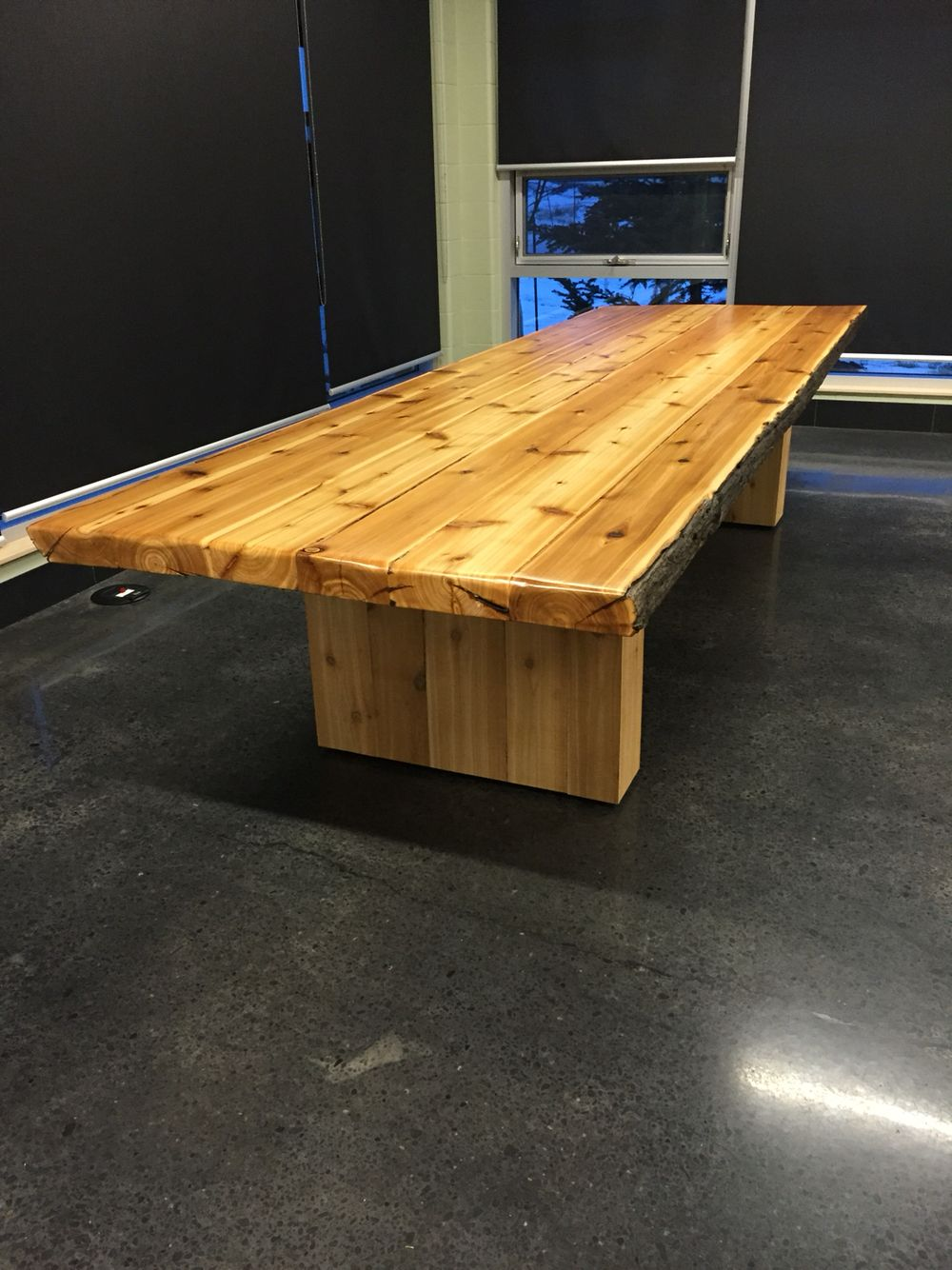 Reclaimed Cedar Table This Table Is 4 Feet Wide By 12 Feet Long And 3 Inches Thick All Boards Are Recovered From Cedar Power Cedar Table Trending Decor Table