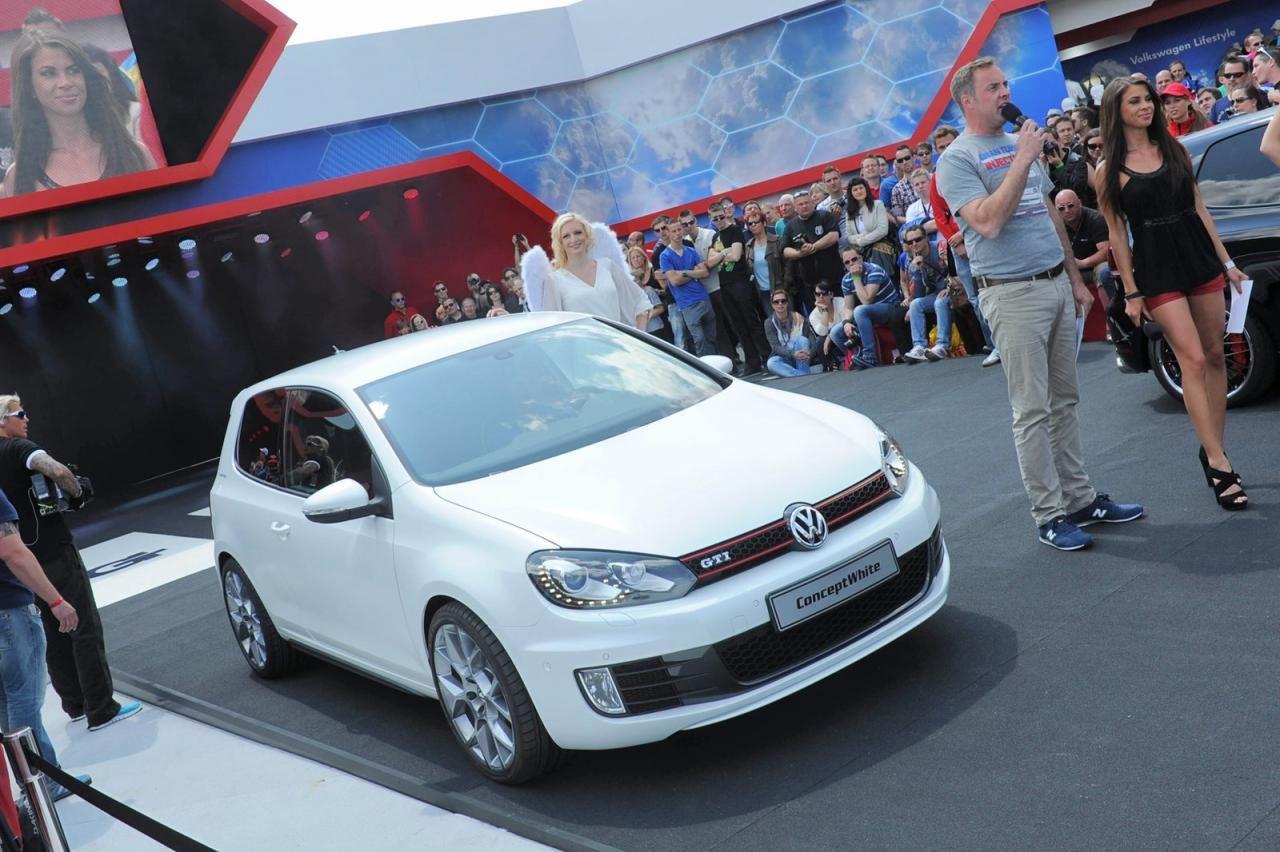 Volkswagen golf gti conceptwhite