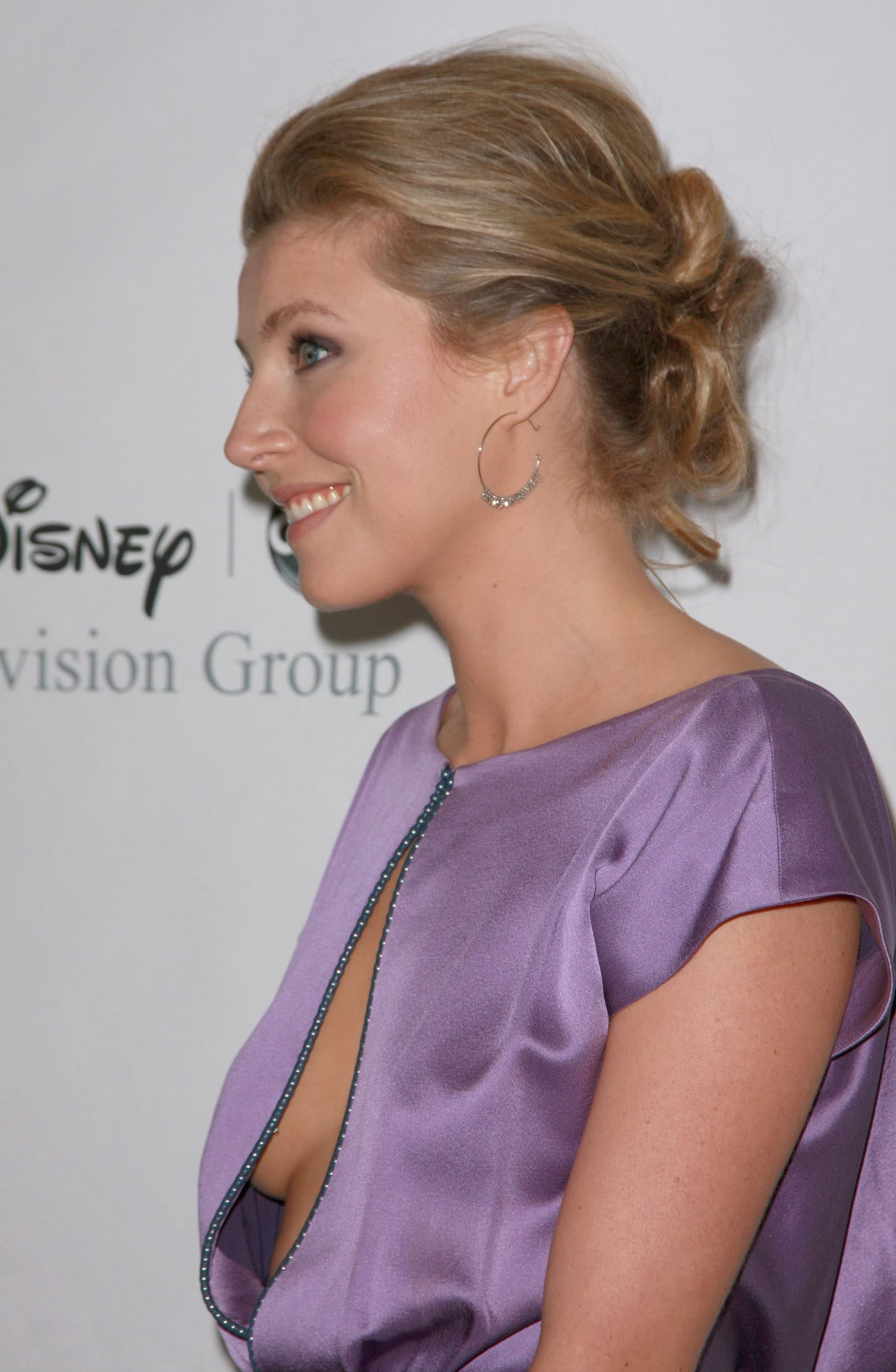 Sarah chalke sexy butt picture 72