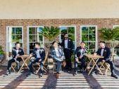 Outdoor bruiloft zomer bruidegom + groomsmen fotografie pose ideeën {Toanven Photogr …, #GROOM …