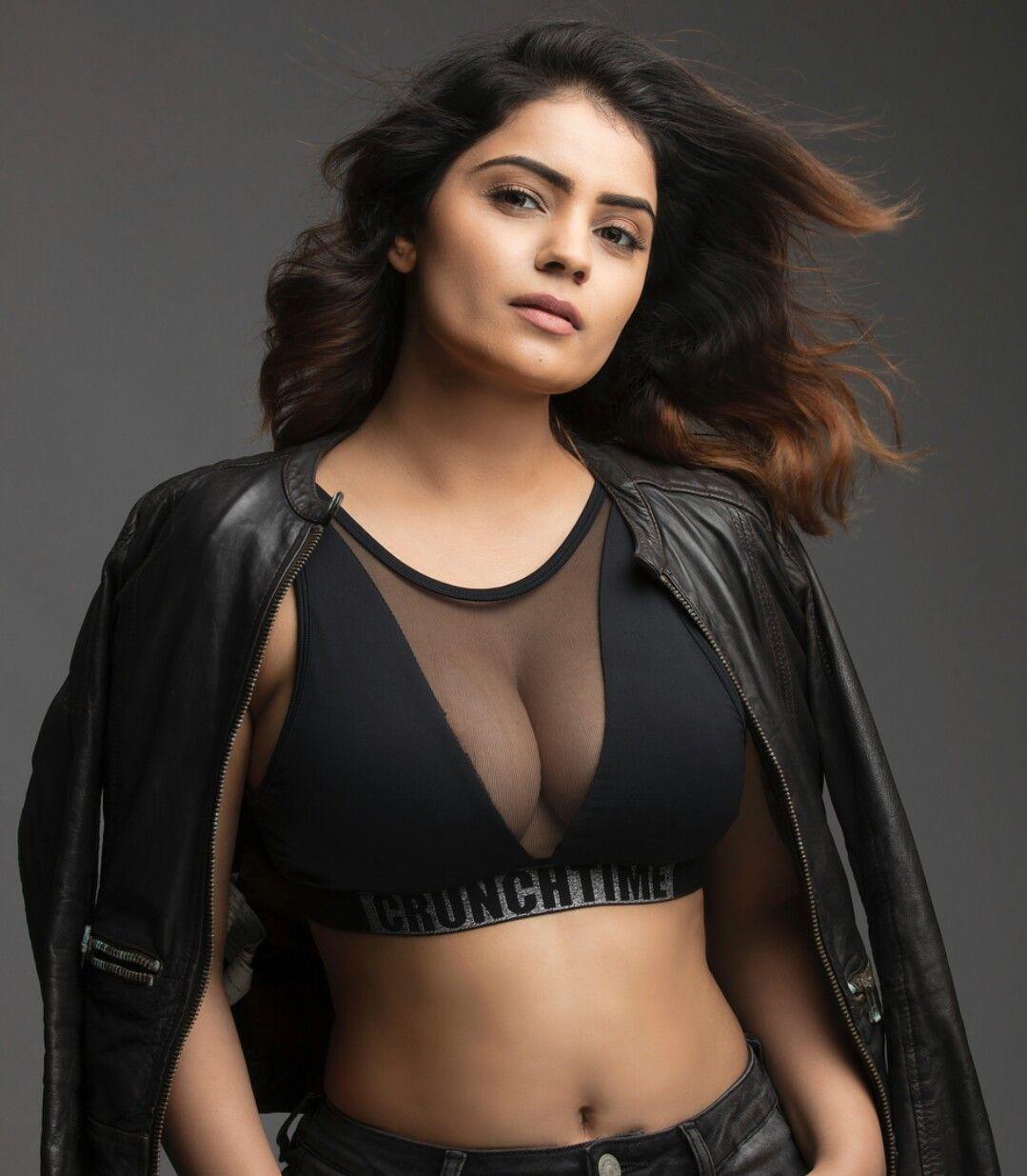 Malayalee singer jyotsana ass boob