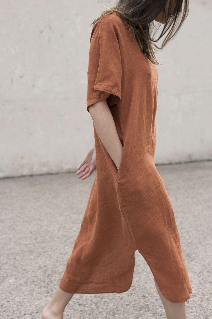 Black Crane Linen Long Dress in Brick