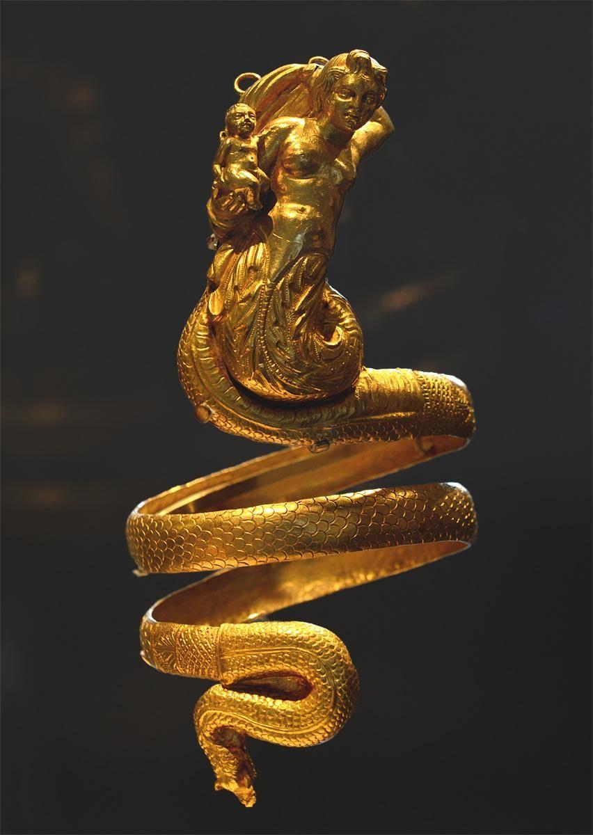"""河島思朗 on Twitter: """"なんだかすごいな~。ペアの腕輪。紀元前200年ころ、ギリシャ。 The Metropolitan Museum of Art Photo: I. Sh. http://t.co/sL1BLMgfio"""""""