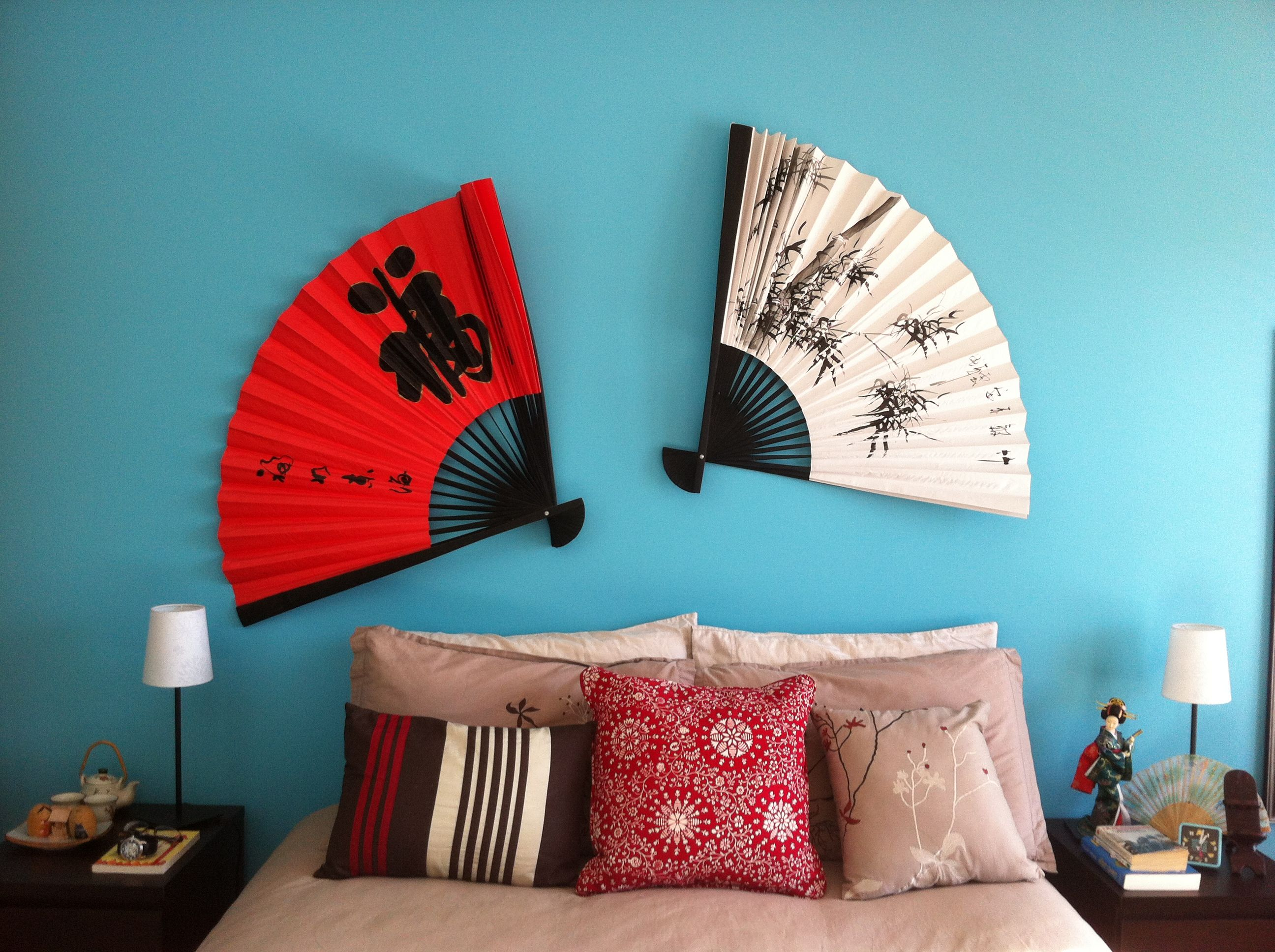 Chinese Fans Great Way To Dress Your Wall Wall Decor Bedroom Asian Decor Wall Fans