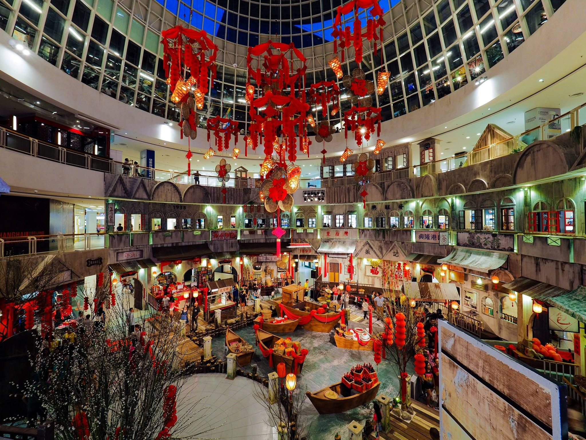 Queensbay Mall_2015_3 | New years decorations, Chinese ...