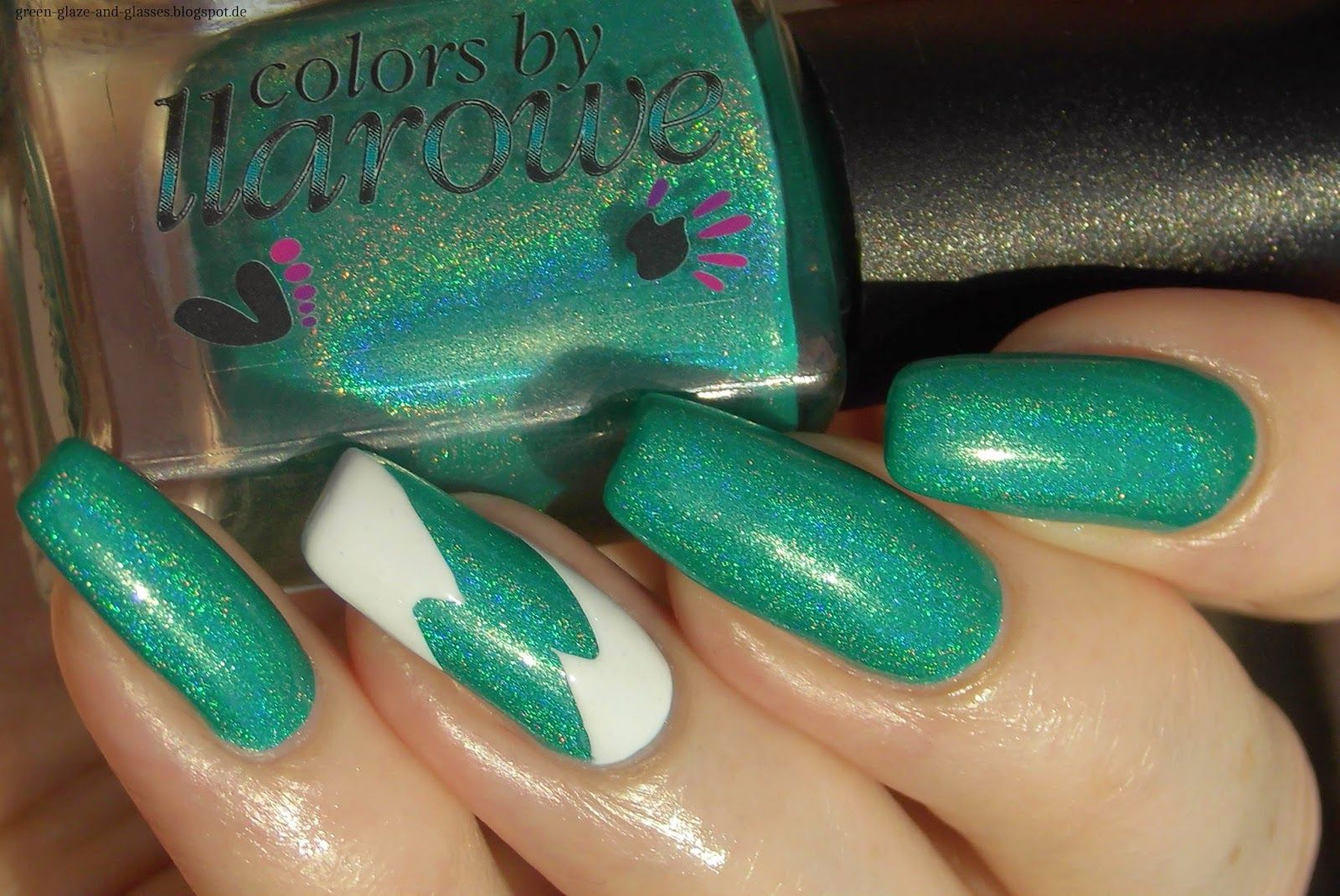 Green, Glaze & Glasses: Re-Freshing - Colors by Llarowe Summer Collection 2014 & Lightning Bolts from Nail Vinyls