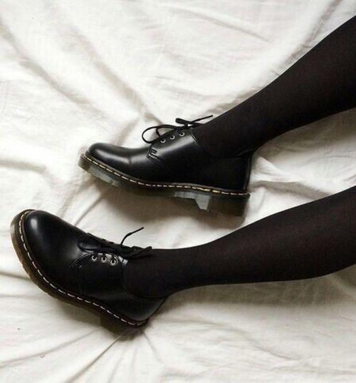 Imagem de black, shoes, and grunge