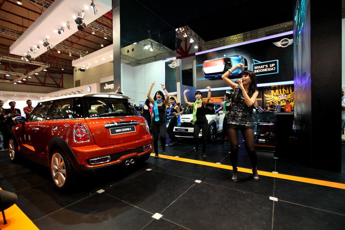 Mini Cooper Indonesia dealer opening. (Görüntüler ile)