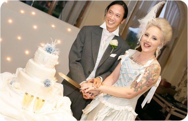 The Lovely Wedding Photo....Source: Catwalk Wedding Photography