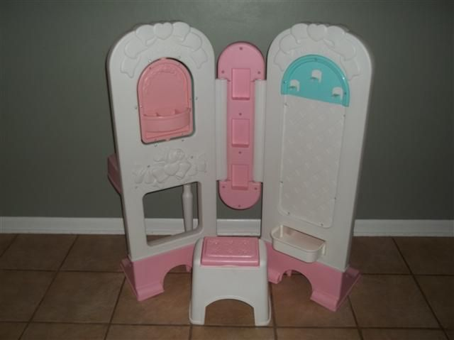 100 00 Fisher Price All In One Dress Up Vanity Play Set For