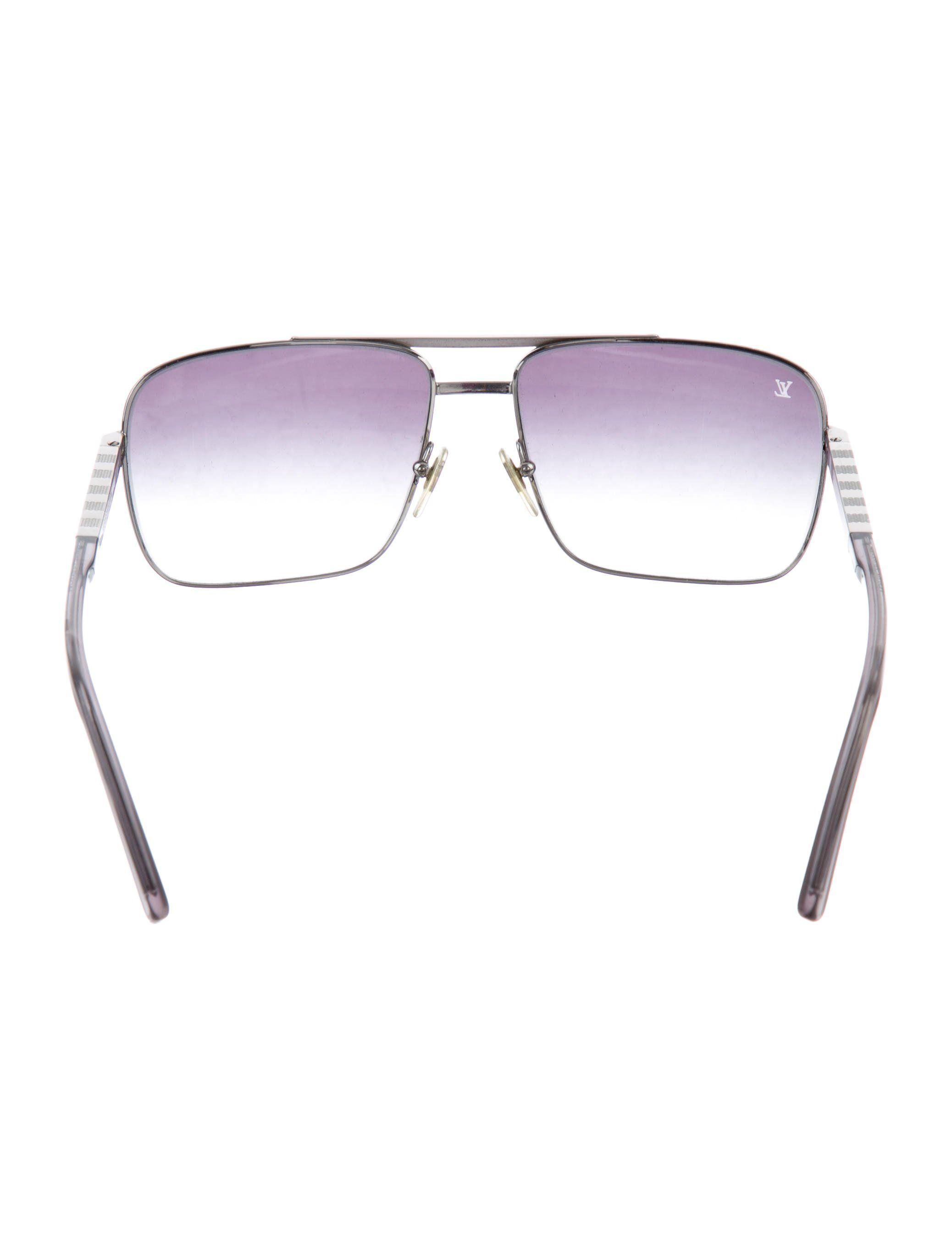 91b105686855 Men s silver-tone Louis Vuitton Attitude Pilote sunglasses with rubber nose  pads and gradient lenses. Includes case.