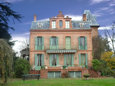 Chateau haute garonne francaise pinterest french for French chateau style homes for sale