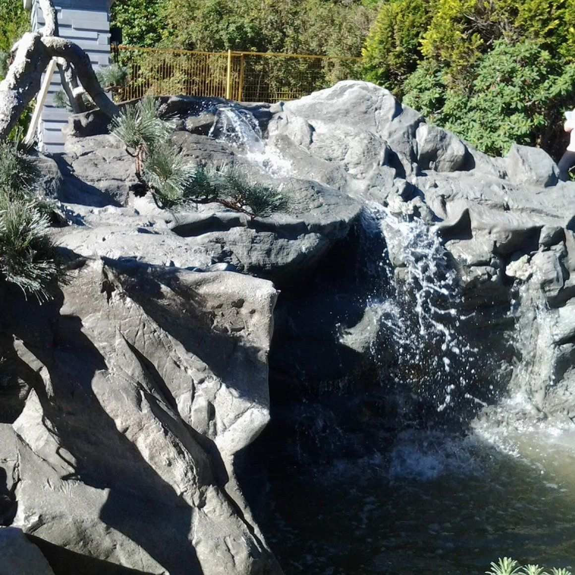 Rocky Waterfall Custom Artificial Rock Waterfalls Vancouver Bc Canada Garden Do It Yourself Small Backyard How To Build A