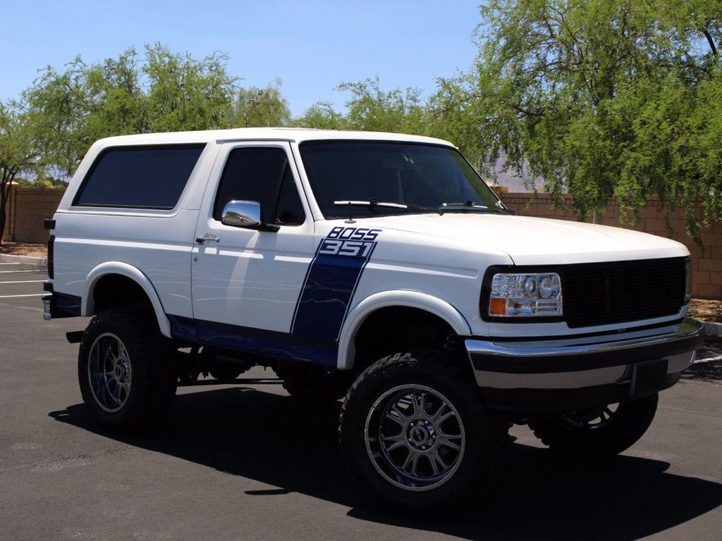 Ford Bronco 105\