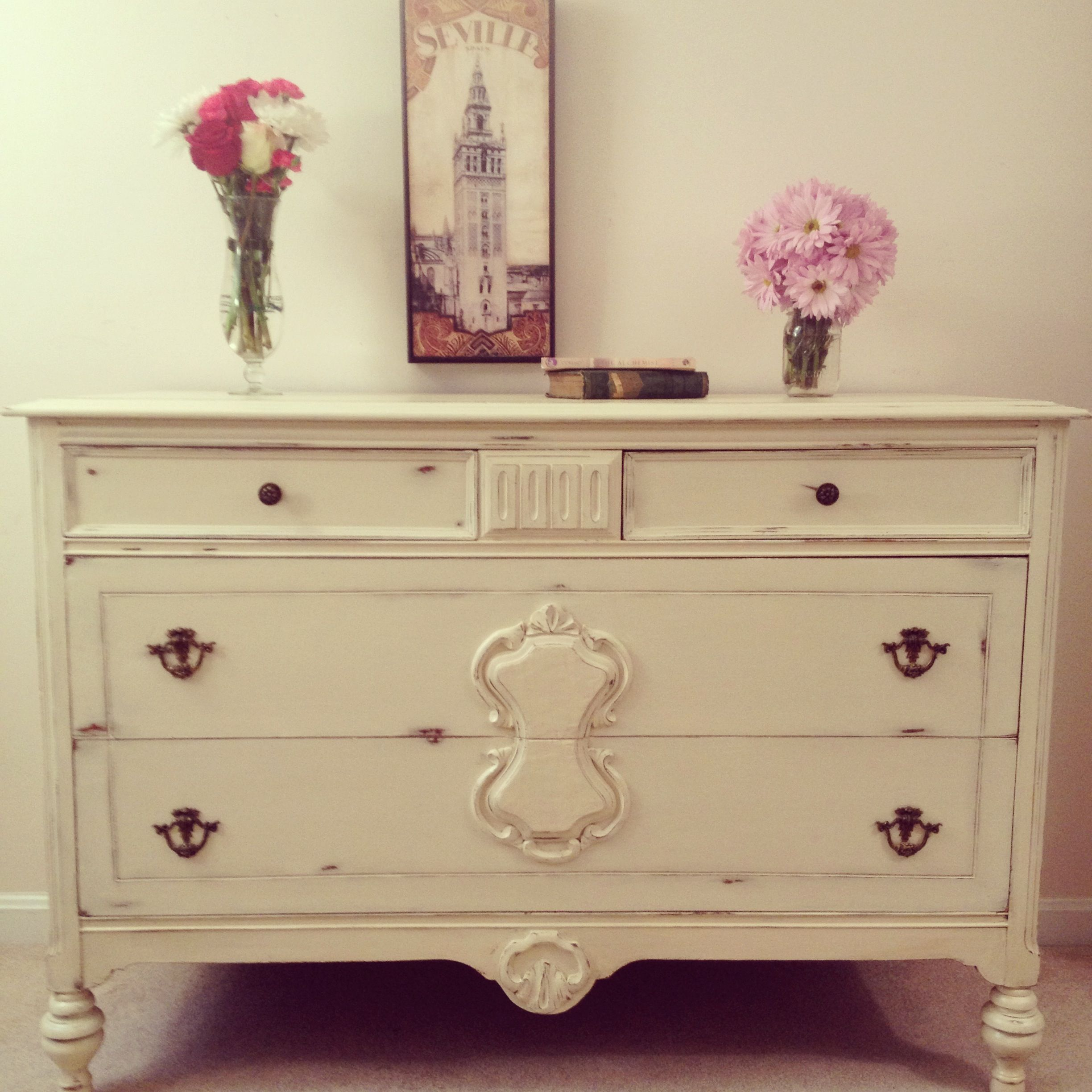 1920 s shabby chic dresser in Annie Sloan Chalk Paint Cream with