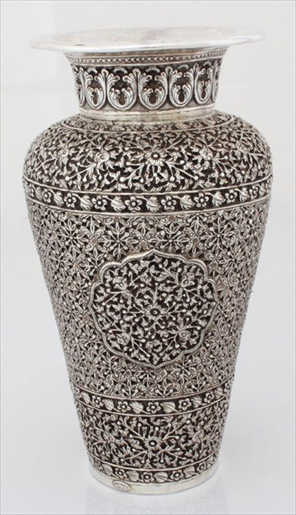 Antique Flower Pot 1 484 04 Artistically Manufactured Flower Pot Using Silver Metal Silver Flower Pots Enhan Flower Pots Antique Jewelry Box Silver Teapot