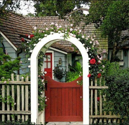 Coole gartengestaltung mit rosenbogen gardens and backyard for Gartengestaltung rosenbogen