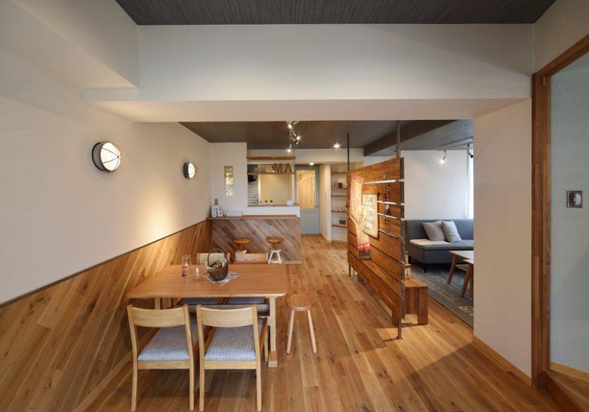 板張りとは 木の魅力を堪能するなら 壁も天井も板張りで 注文住宅 リノベーション物件 リノベーション
