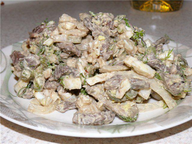 салат с грибами и курицей и сыром рецепт с фото