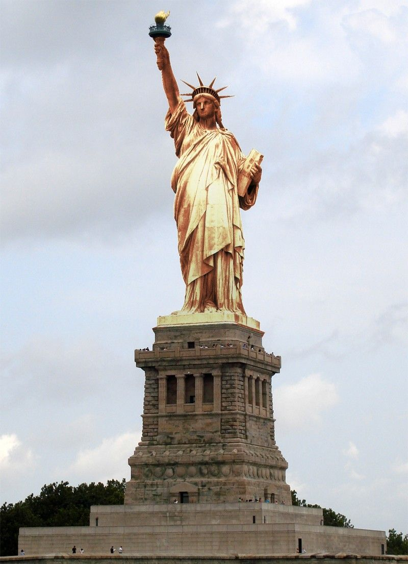What The Statue Of Liberty Looked Like When It First Arrived In America Before The Copper Turned Its Current Shade Of Gre Statue Of Liberty Statue Lady Liberty