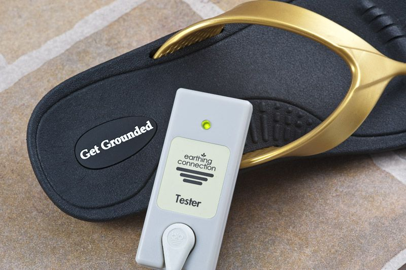 How do you know if you're grounded? Earthing connection tester put to good use! Green light means go get grounded.