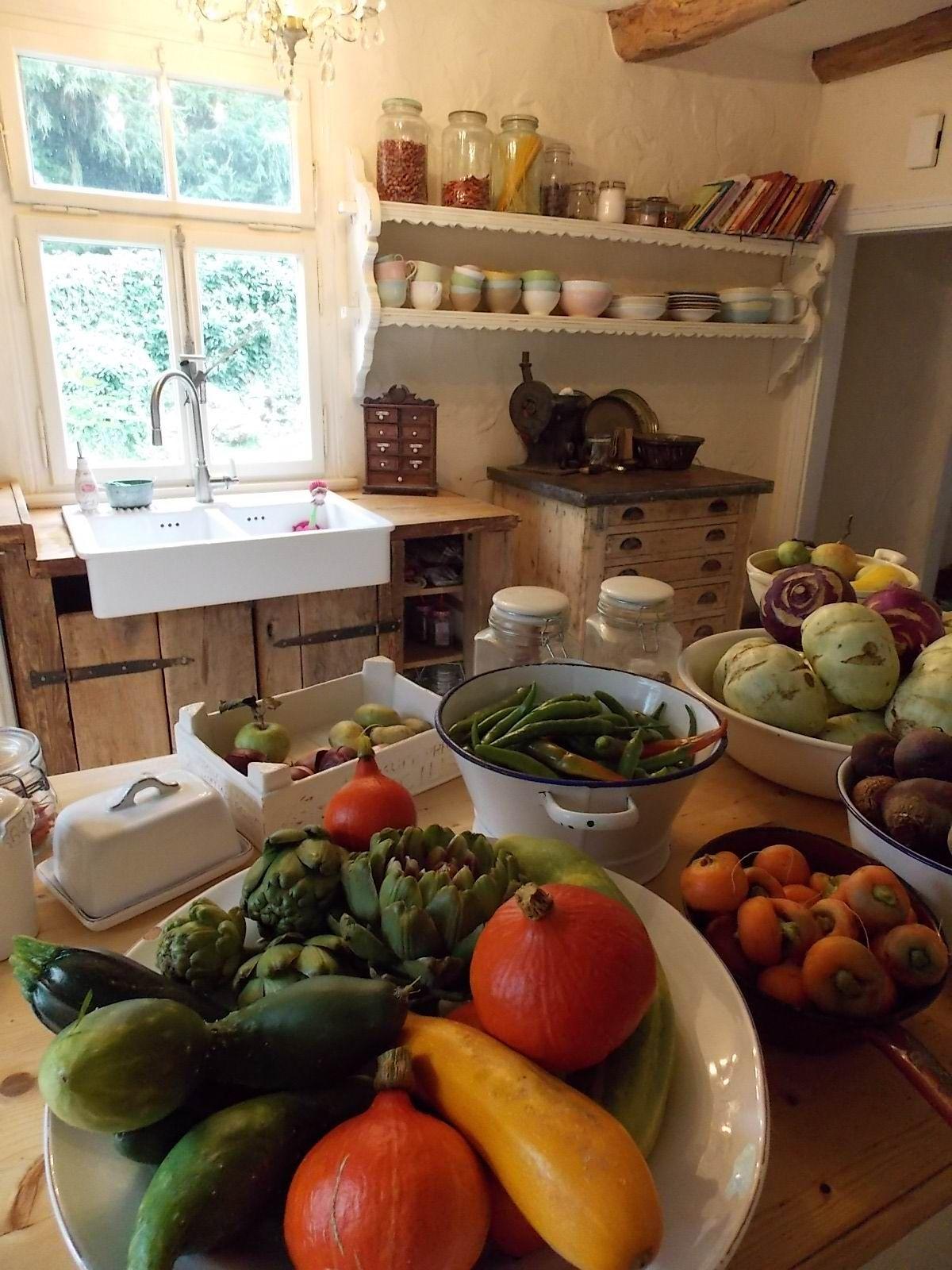 Landhaus Küche - Ernte - www,casamanolo.de Traumhaftes Landleben
