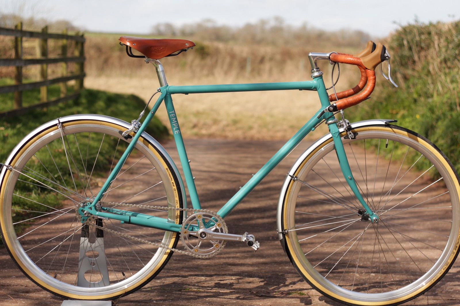 Temple Cycles Kingsdown Road Touring Bike Classic Vintage Style British Touring Bike Steel Bike Touring