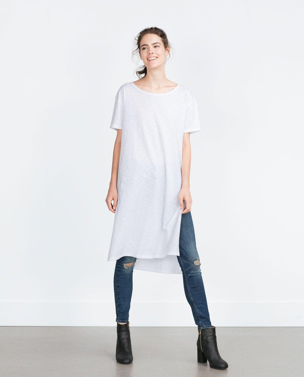 Image 1 de T-SHIRT ÉCHANCRÉ de Zara | Mode