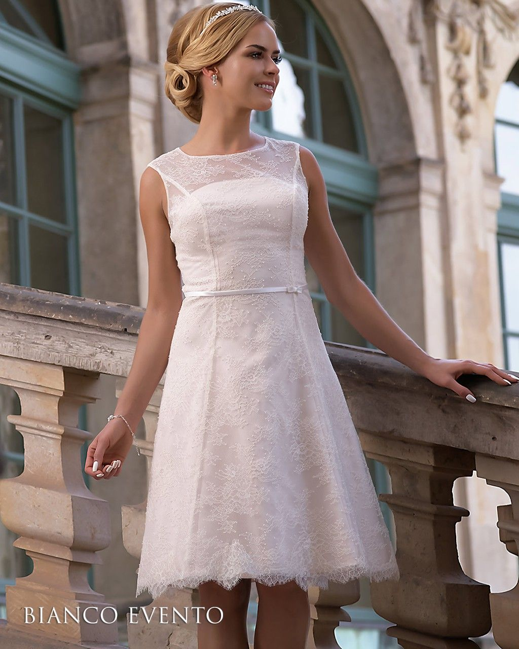robe de mari e courte vintage en dentelle collection