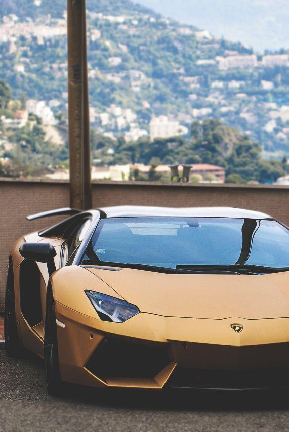 Matte Gold Lamborghini Aventador