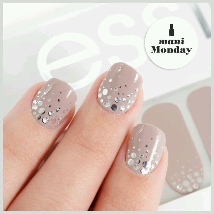 Essie nail strips \