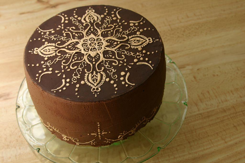Mehndi Inspired Cake : Henna mehndi inspired chocolate cake cakes design