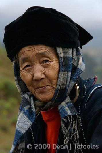 Rencontrer l'ethnie des Hmongs fleuris