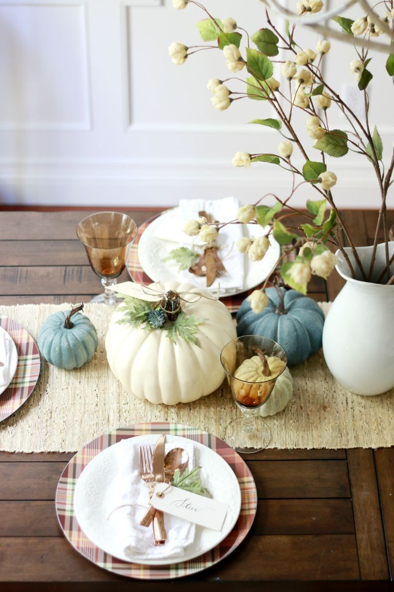 Fall and Thanksgiving table decorating ideas using craft pumpkins ...