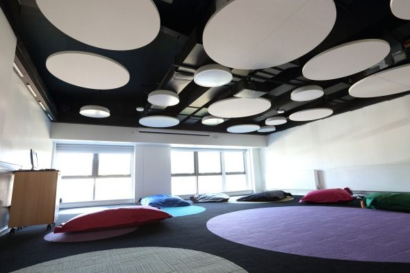 Afficher l 39 image d 39 origine faux plafond acoustique for Faux plafond acoustique