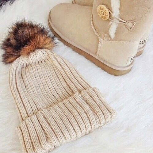 Cute Hat! Cozy Boots! Love my Uggs! #Cozy #Ugg #Style #Winter #Hat #Boots #Fashion