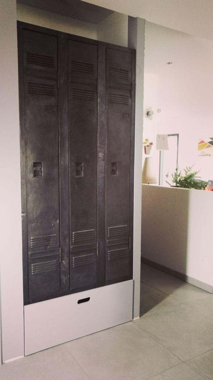 vestiaire industriel restaur pour l 39 am nagement du. Black Bedroom Furniture Sets. Home Design Ideas