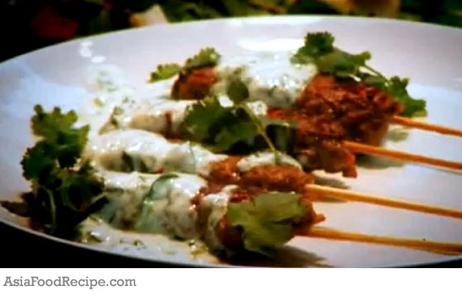 This is an easy recipe of making indian lamb kebabs lamb lovers indian food never fails to impress anyone if you too are looking for a foolproof appetizer recipe watch this video now the chef prepares these amazing forumfinder Images