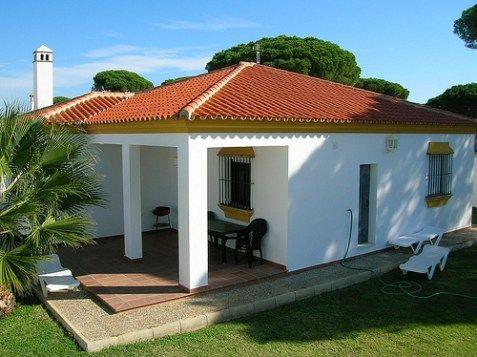 Chalets peque as casas rusticas de campo casa de campo for Casas modernas acogedoras