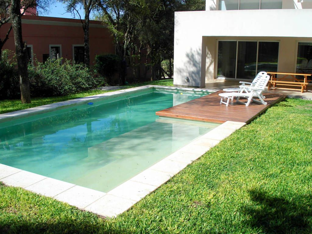 Piscinas familiares piletas de estilo por piscinas scualo - Piscinas modernas ...