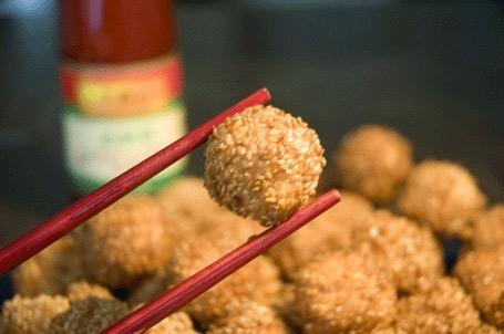 Kiinalainen keittiö: Katkarapupalloja seesaminsiementen kera