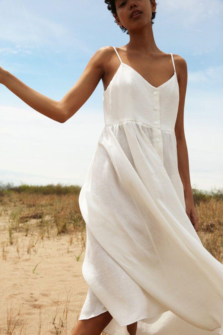 Chic Wardrobe Staples You Should Have From Mansur Gavriel Bold Dresses Fashion White Linen Dresses [ 1155 x 770 Pixel ]